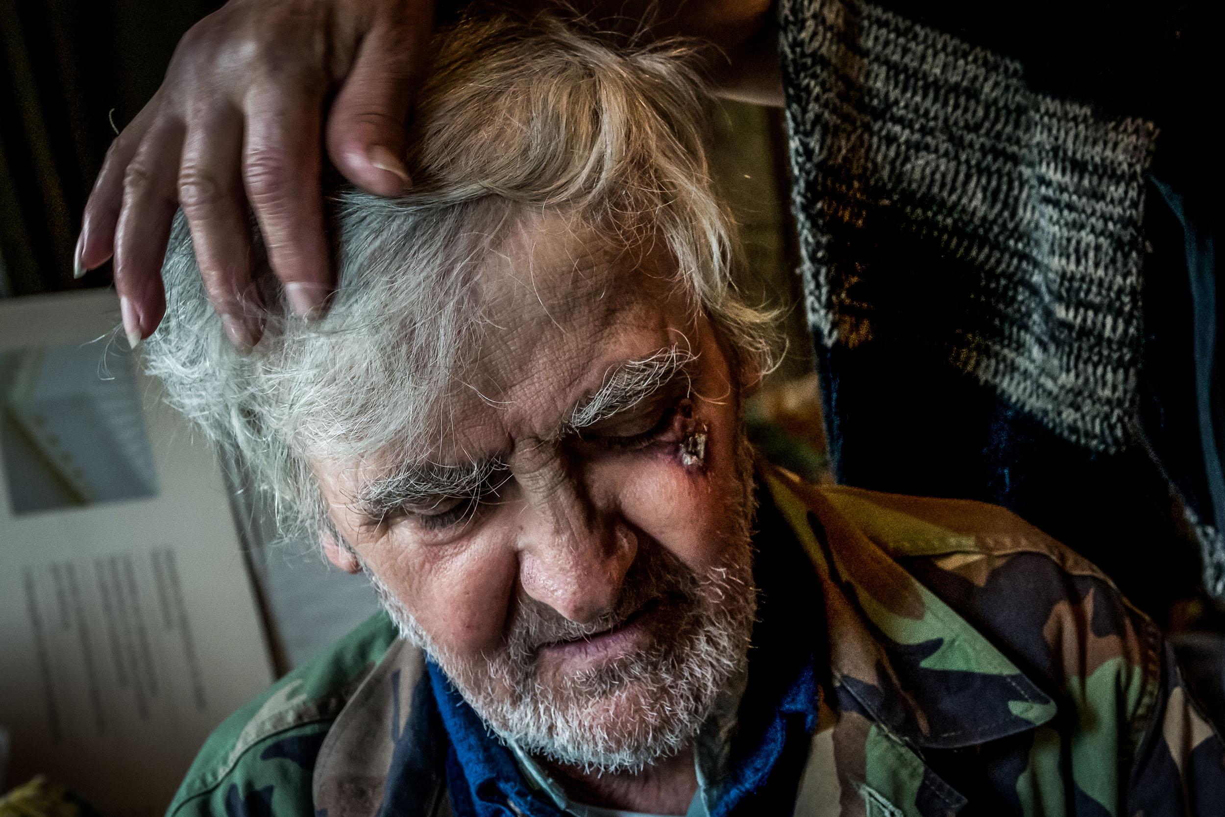 Seine dunklen Locken haben ihr damals gefallen. Und noch heute liebt »Liebe« es, ihrem Mann durch die mittlerweile weißen Haare zu streichen.